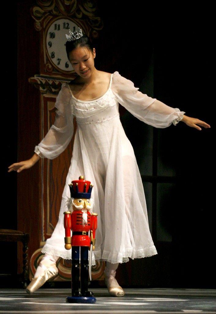 "nutcracker ballet pictures | ... of ""The Nutcracker Ballet"" in Davis. Fred Gladdis/Enterprise photo"