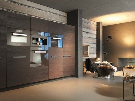 This oven from the ContourLine design line from Miele fits any contemporary and traditional kitchen