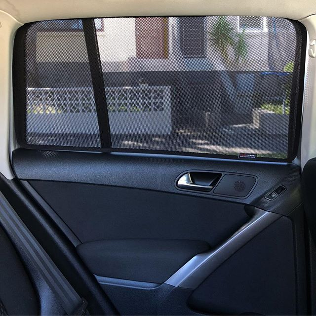 Snap Shades On A Volkswagen Tiguan 1st Generation 2007 2017 Vw Volkswagen Tiguan Carshades Sunshades Babystuff Snapshad Car Shade Baby Shade Volkswagen