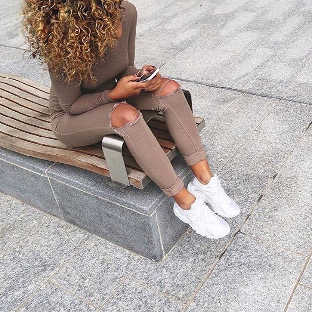 girl fashion outfit style clothes hair lips eyes beauty shoes high heels  nike huarache nude curls