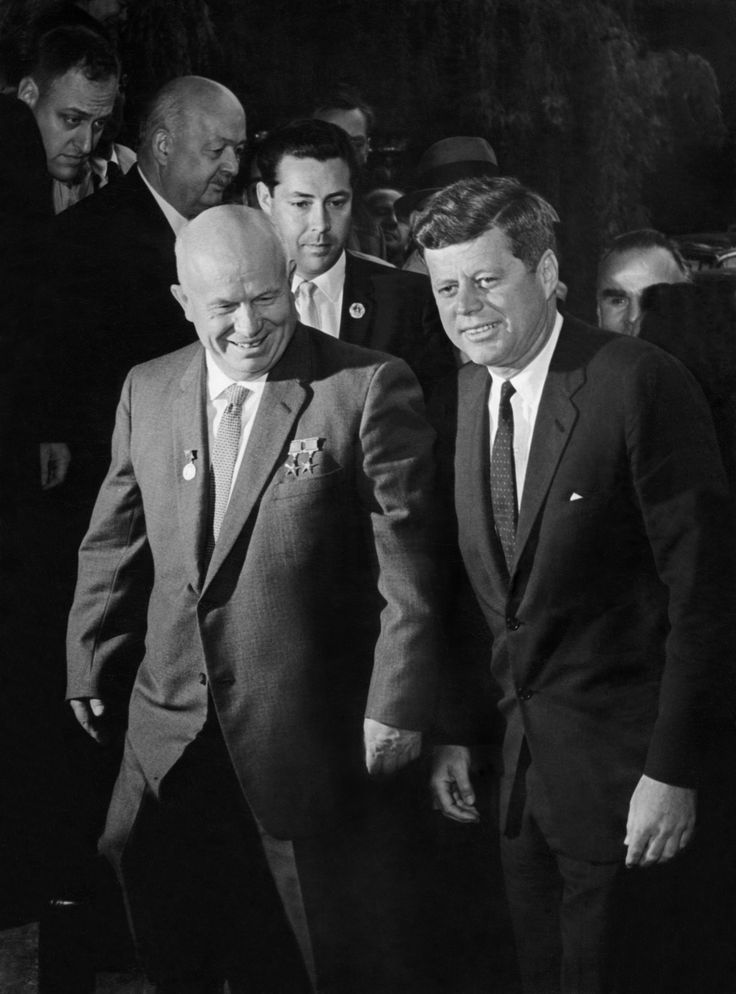 a look at john f kennedys greatest triumph as the us president the cuban missile crisis Fifty years ago during the cuban missile crisis, the soviet union and the united states came dangerously close to war it could the truly great triumph of the pro-kennedy memoirists was the celebration of us and kennedy success and the creation of often false history that sometimes involved knowing.