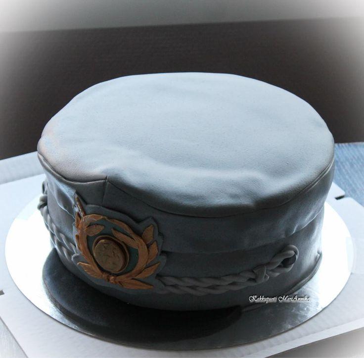 Upseerin hattu, kakku