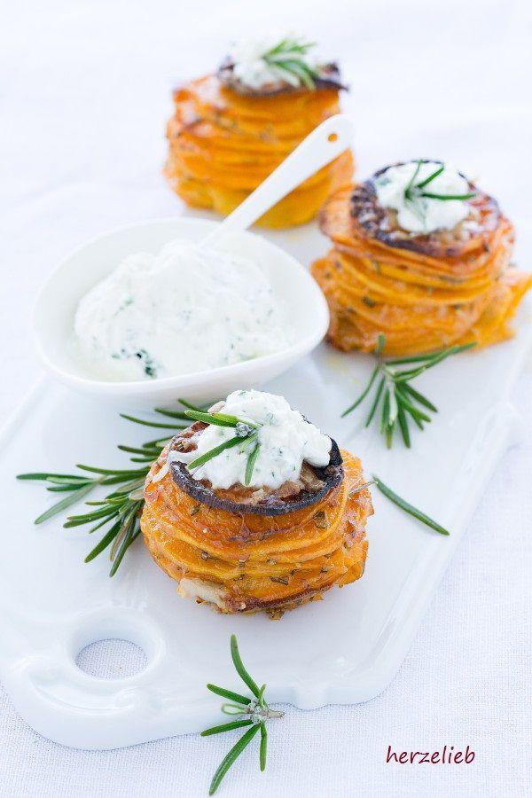Leckere Süßkartoffel-Türmchen. Mit diesem Rezept gelingen sie ganz einfach!