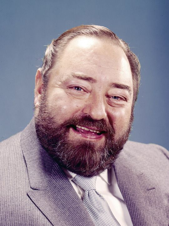 Sebastian Cabot, actor (Family Affair) 1918-77. Also acted on Checkmate and TV movie Miracle on 34th Street, second remake.