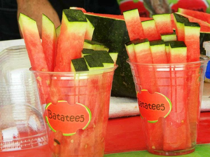 super great way to cut watermellon, easyier to eat, less mess!