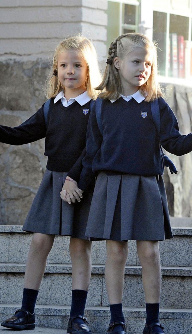 """Rentrée scolaire pour les infantes d'Espagne """"LEONOR ET SOFIA"""" 15 Septembre 2012"""