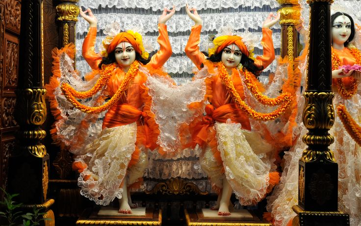 To view Gaura Nitai Wallpaper of ISKCON Chowpatty in difference sizes visit - http://harekrishnawallpapers.com/sri-sri-nitai-gaurachandra-wallpaper-016/