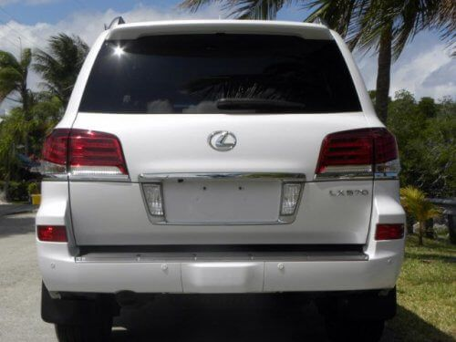 I want to urgently sell my Lexus Lx 570 2015, the vehicle is extremely well maintained without accidents Details of the vehicle for sale Jeep Lexus Lx 570 2015 Full Sport Fly Model Number: 2...
