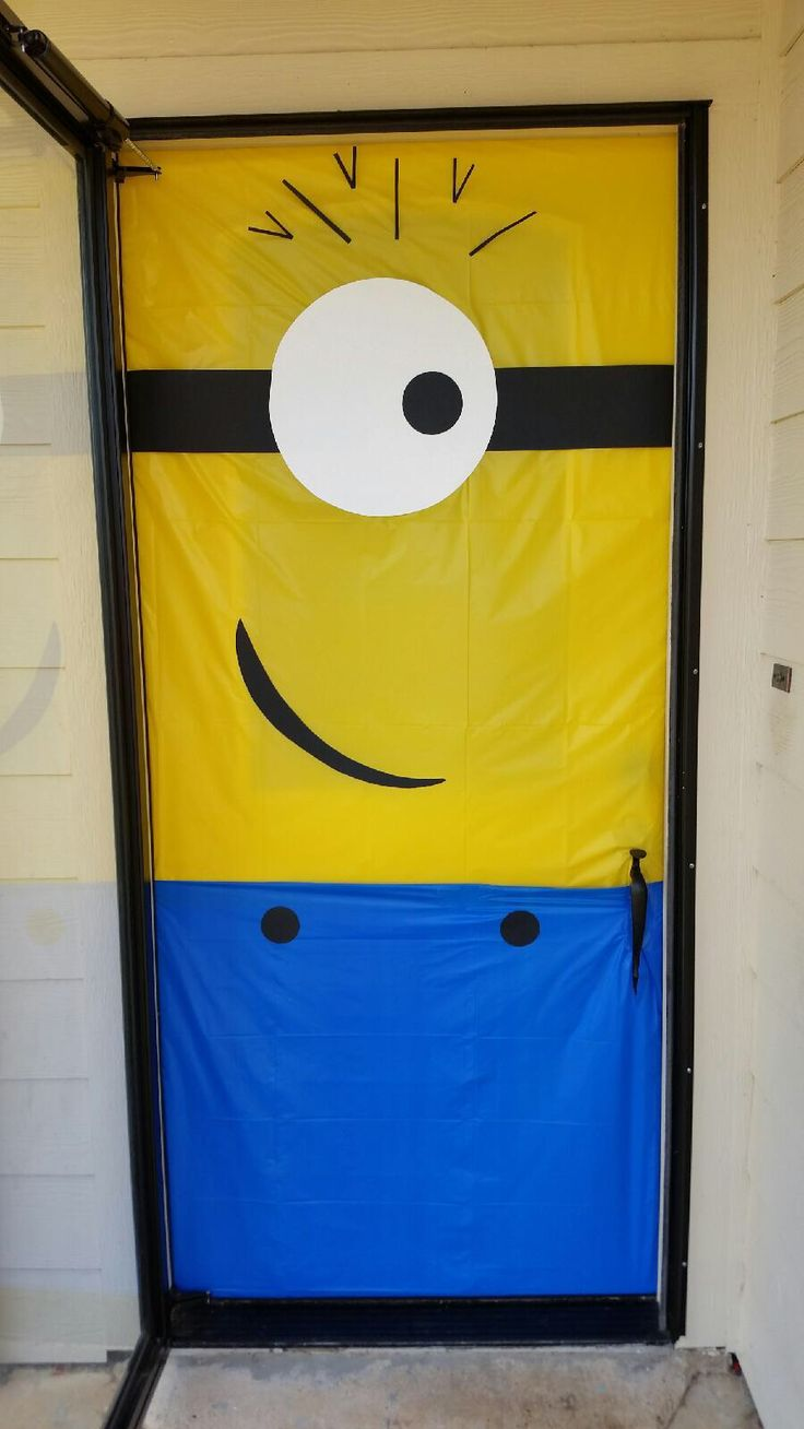 Minion door decoration