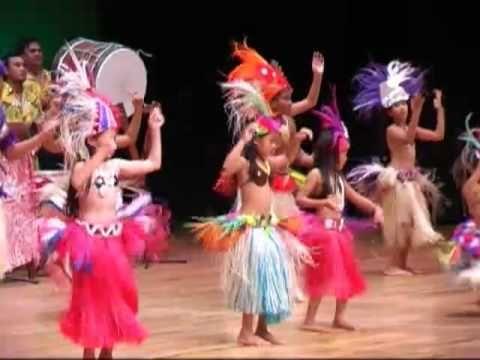 Ch10: The Bottom of the World - Korero Maori kids dance at Te Maeva Nui