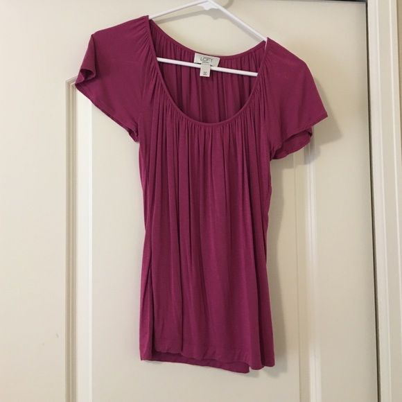 Ann Taylor Loft Blouse Gently used and dry cleaned only. Looks and feels great Ann Taylor Tops Blouses