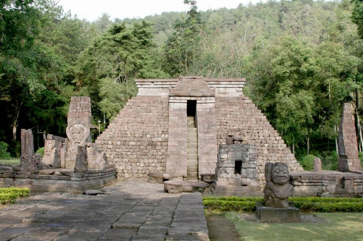 temples Sukuh-shaped pyramid in Central Java 2