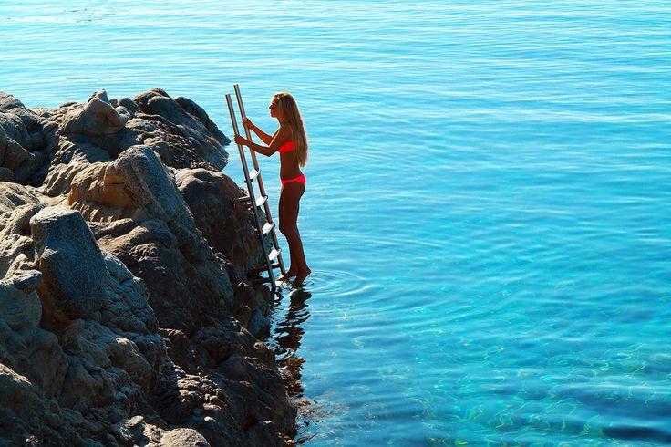 The summer season is now just around the corner. This could be you enjoying the Aegean sea! Perfection. https://www.petasos.gr/experiences/recreation/hotel-beach/  #PetasosBeach #Mykonos #PlatisGialos #Petasos #Beach #Summer2017 #Summer #SummerHolidays #SummerVacation
