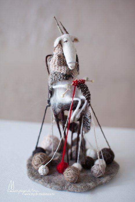 Мышь-медуница. Авторские игрушки и куклы. ВОЙЛОК