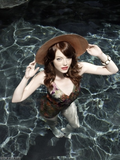 Emma Stone further proving you don't need skimpy to be sexy.  Plus, I like the fact that she's even more fair-skinned than I am and still looks amazing.  Dig the hat, too.