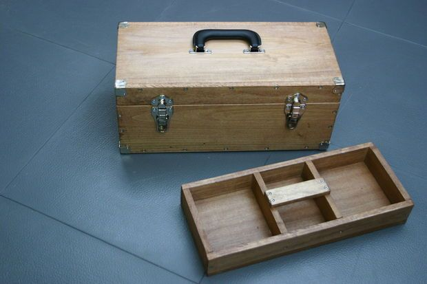 Weekend Project: Make a Sturdy Wooden Toolbox from Scratch | Man Made DIY | Crafts for Men | Keywords: workshop, DIY, tools, how-to