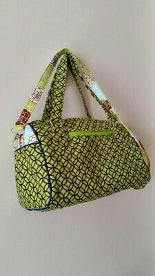 Swoon Blanche bag. Green and Navy barrel bag. Detachable strap. Swoon sewing patterns.