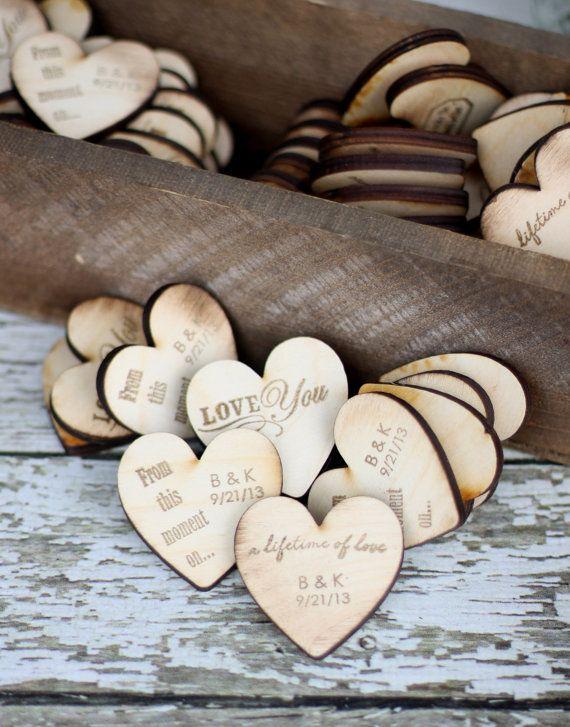 Personalisierte Hochzeit Bevorzugungen Holz Herz von braggingbags, $125.00