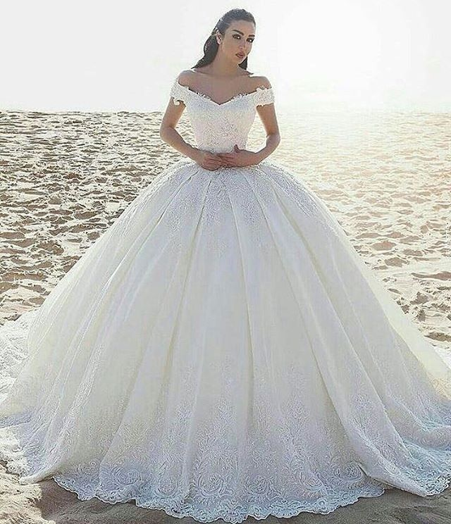 ELİTE BRAUTMODE-KLEINE KÖNIGSTR.11 #stuttgart #esslingen#müchen#göppingen#waiblingen #schorndorf #geislingen #ulm #konstanz #ravensburg #zürich#gelinlik #basel #mannheim #kleid #abendkleid #brautkleid #dress #wedding #bride #bridal#abiye#nisanlik#kaftan#follow #followme #insta #Makeup#girl #0711 http://gelinshop.com/ipost/1509740861062307106/?code=BTzrVBugt0i