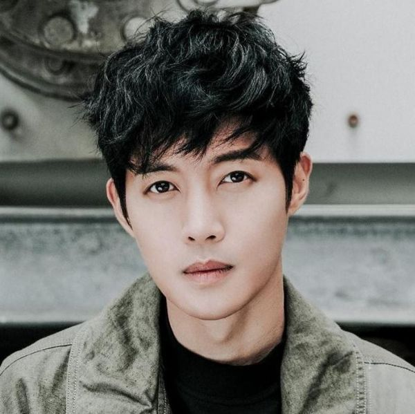 63 Korean Hairstyles For Men And Boys In Style For 2020 Korean Hairstyle Korean Men Hairstyle Korean Haircut