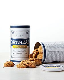 Print our clip art labels and adhere them to an 18-ounce oatmeal canister for easy gift-giving. (And keep a few for yourself, too.)  Bonus: The recipe is printed on the back.