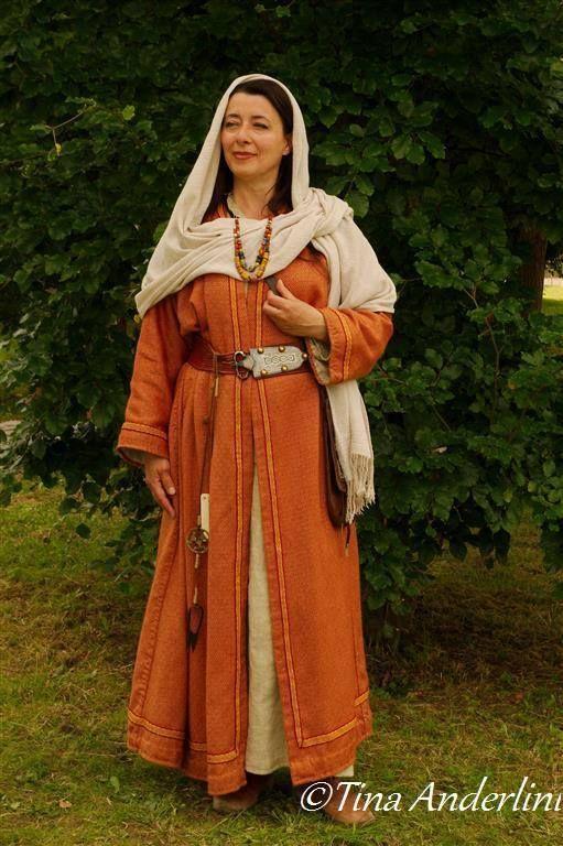 Frankish woman