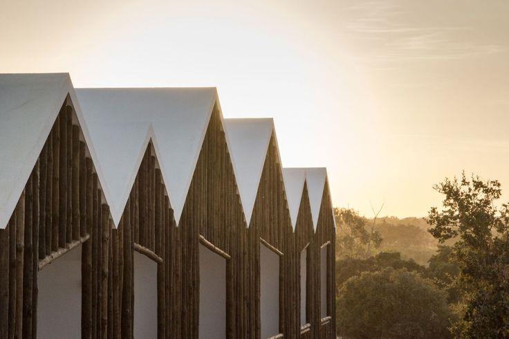 FAT – Future Architecture Thinking, João Morgado · Sobreiras – Alentejo Country Hotel. Serra de Grândola, Portugal · Divisare