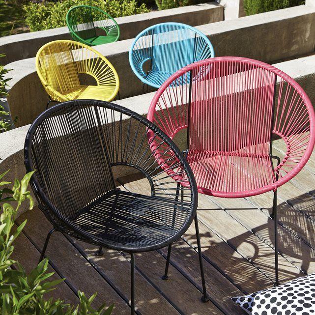 Le fauteuil en résine tressée Joalie. Véritable icône du design des années 50, ce fauteuil apportera une touche de design à votre extérieur ! Son assise composée de fils de résine tressés de type scoubidou lui assure une souplesse et un accueil très agréable.