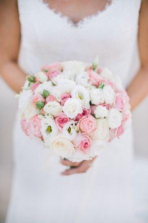 SARAH wedding bouquet by Moments www.weddingincrete.com