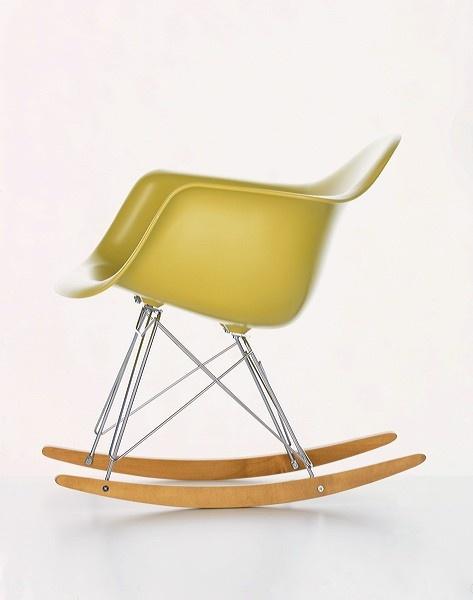 charles and ray eams <3: Eames Rar, Eames Rocker, Eames Rocking Chair, Chairs, Rocking Chairs, Plastic Chairs, Eames, Ray Eames, Design