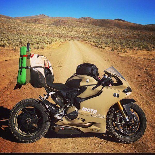 De Ducati no deserto                                                                                                                                                                                 Más