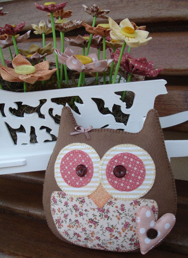 DIY Owl Pillows! Oh my so cute!
