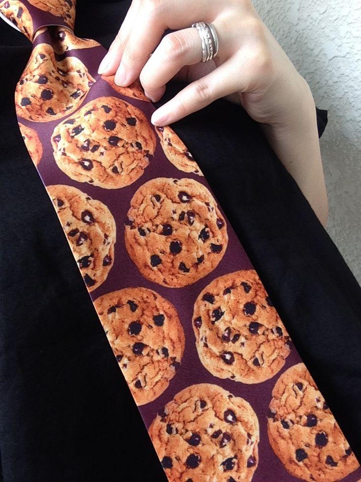 チョコレートチップがいっぱい入った「チョコチップクッキーネクタイ」 お菓子屋さんで働く方に着けていただきたいなぁ~^^女の子でも可愛く着けられそう♡