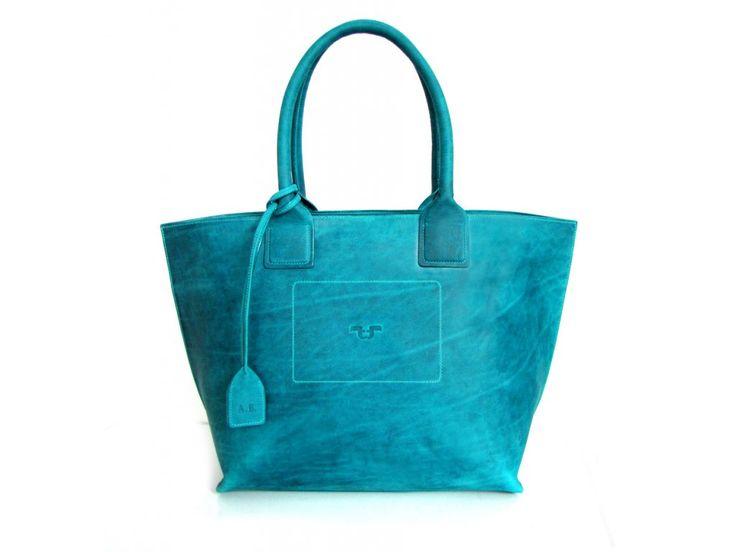 Tote Bag big z kůže pull-up, odstín turchese - zapínání na zip a přívěsek s monogramem