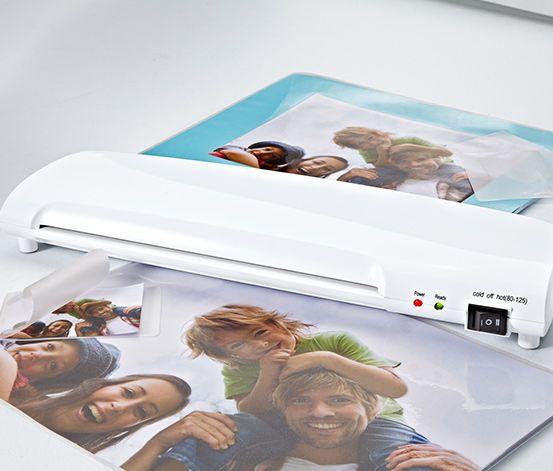 Laminátor   499 Kč         Laminování chrání před mokrem, nečistotou, ztrátou barev a poškozením  Obzvlášť plochý  Včetně 15 fólií: 5x A4 a 5x ve velikosti vizitky