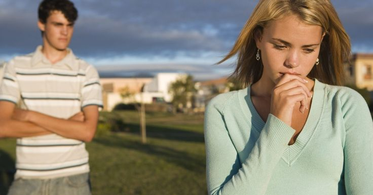 Filmes sobre problemas adolescentes. Inúmeros filmes lidam com o drama adolescente. Os melhores mostram um retrato realista da vida adolescente e as questões que os afetam. Alguns são comédias, enquanto outros têm uma abordagem mais dramática para lidar com toda a gama de emoções que os adolescentes enfrentam. Questões típicas que os adolescentes têm de lidar incluem pais, amigos, ...