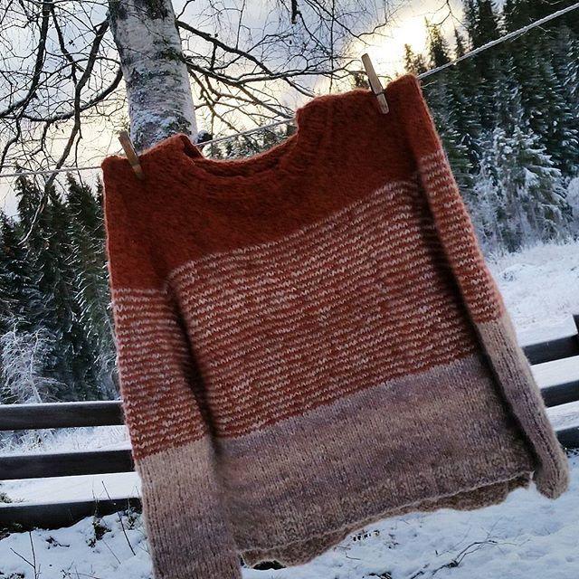 Da er jeg ferdig med min første  Skappel genser #strikking #skappelgenser #skappel #skappelstrikk #knitting #madebyme #DIY #håndstrikket