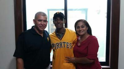 - Jugo con los Rojos del Aguila de Champoton en la Liga Peninsular de Beisbol 2016.    El jardinero mexicalense Randy Daniel Romero Alejo, s...