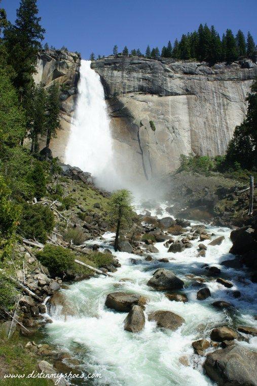 Mist Trail || Yosemite National Park || www.dirtinmyshoes.com