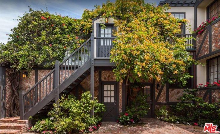 Malibu Beach House | Find more enviable homes at www.houseofmadison.co.uk