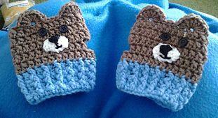 Da Bears Fingerless Gloves ~ free pattern