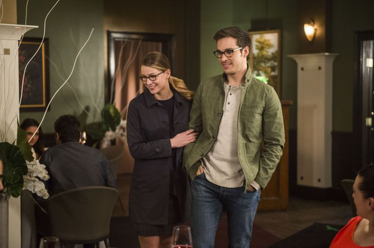 """Supergirl """"Ace Reporter"""" S2EP18"""