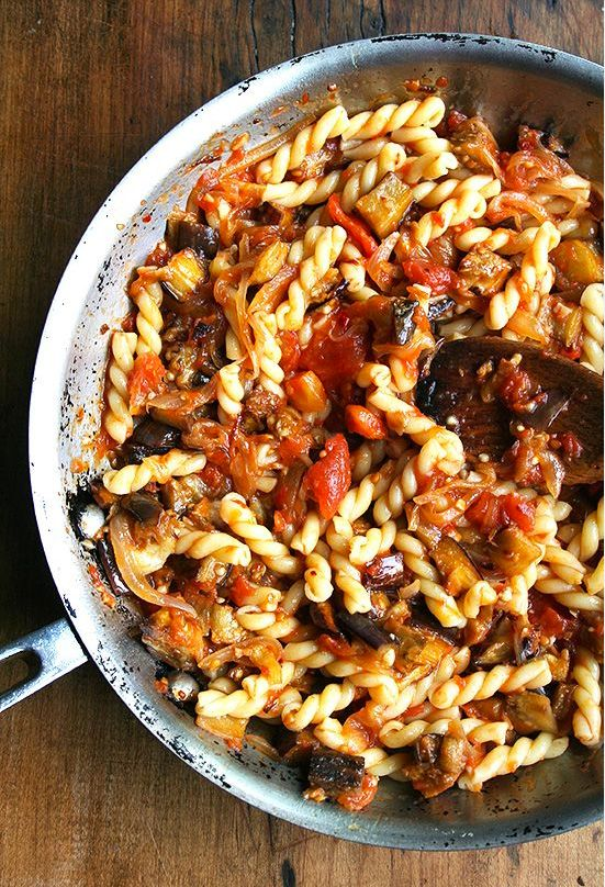 Chez Panisse Eggplant, Caramelized Onion and Tomato Pasta by alexandraskitchen: Roasted eggplant, caramelized onions, fresh tomato sauce and a hint of sherry vinegar combine to make this pasta dish truly fantastic. #Pasta #Eggplant