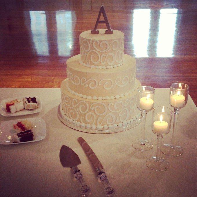 News Flash Walmart Makes Wedding Cakes And Theyre GOOD Really Good