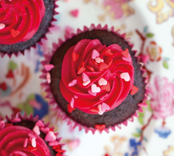 One-Pot Chocolate and Raspberry Cupcakes