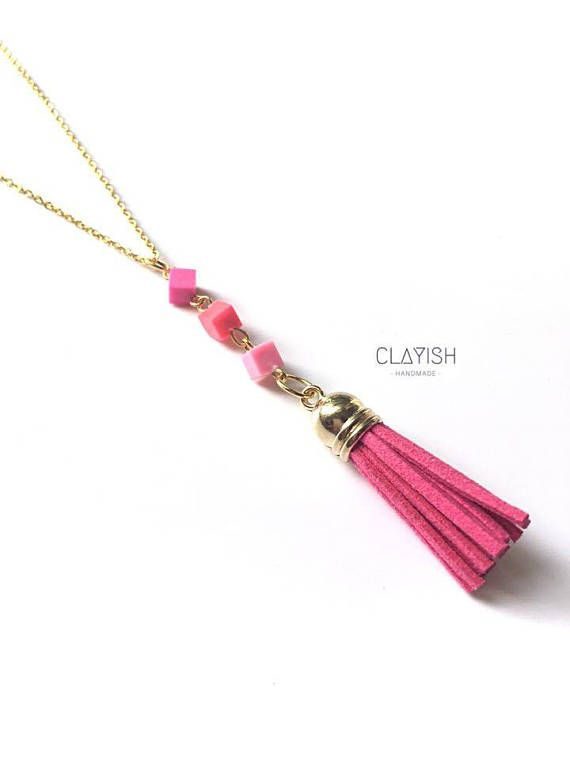 This beautiful triangle chain polymer clay necklace will give a special touch to your outfit of the day! Available in pink, however custom order is welcome too! Beads Materials: Polymer Clay Bead Colour: Pink Chain Materials: Copper Chain Colour: Gold/SIlver Length: 52 cm Every piece of the clay is carefully completed by hand, therefore each of them is unique and there might be little imperfections or occasional fingerprints.