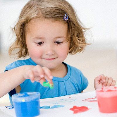 easy homemade finger paint 12 cup cornstarch 2 cups of water - Toddler Painting Games
