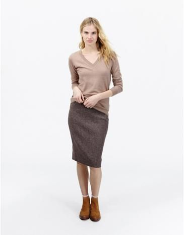 Joules Damen Tweed-Bleistiftrock aus Jersey, Lila.                     Für diesen Bleistiftrock in Tweed-Optik haben wir herrlich weiche und bequeme Jerseybaumwolle verwendet.  Dazu passt Olivia, unser Tweed-Blazer aus Jerseystoff.