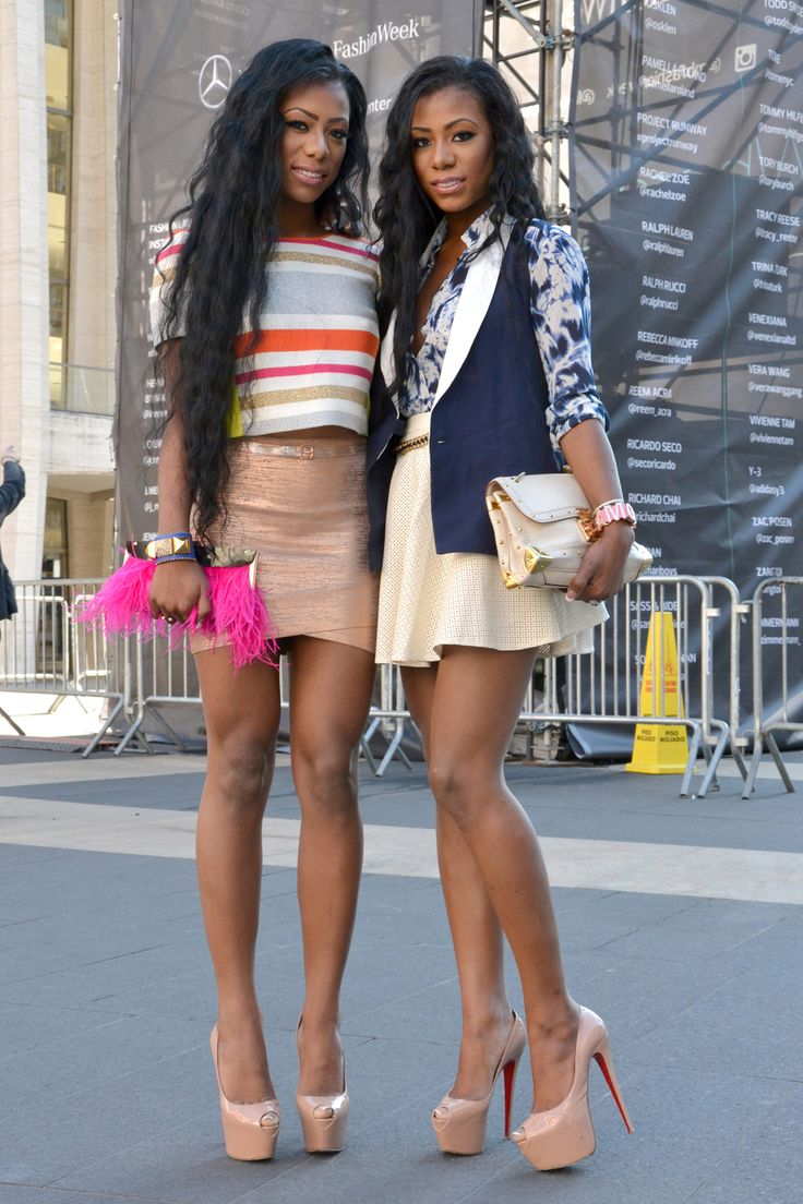 The new york vanity was named perfectly it has that city chic look - Another 16 Inspiring Looks From Street Stylers Attending New York Fashion Week For The Spring 2014 Shows
