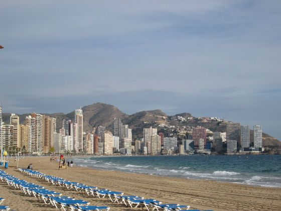 March is a great time to visit Benidorm and we take a look at Benidorm weather in March and what to expect. With still being early in the season it's also a good time to get a few Benidorm holiday deals. If you catch the sun in Benidorm in March then that's even better.